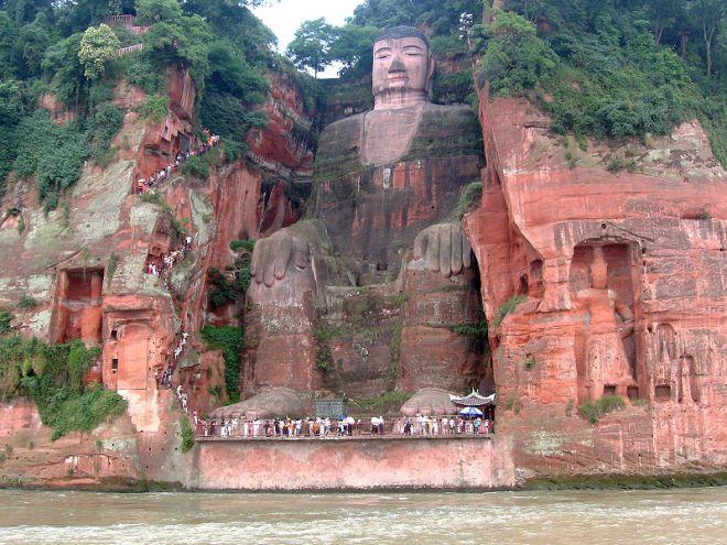 That is one huge Buddha.