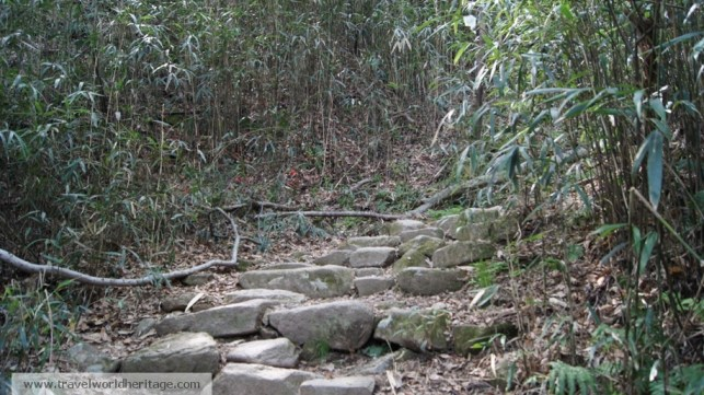 While these are pretty easy, some of the rocks are quite a challenge to hike.