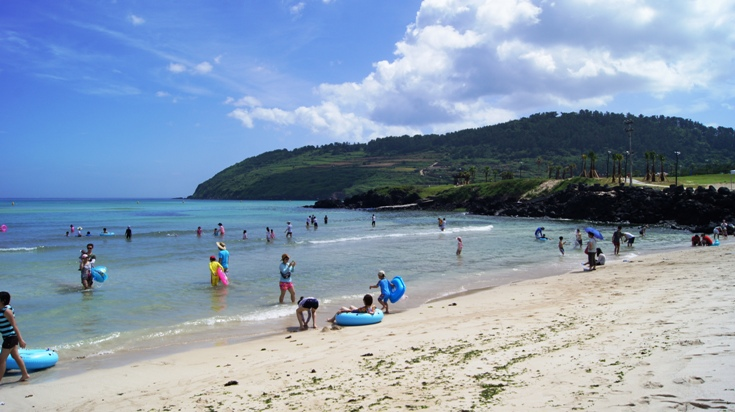 Hamdeok Beach