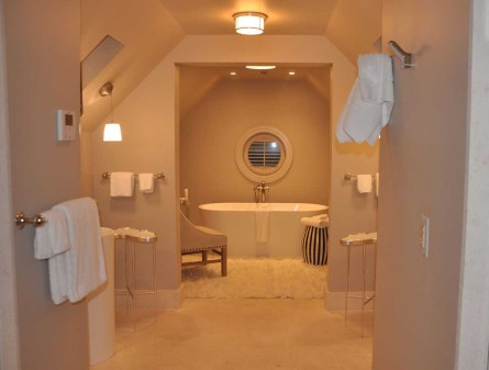 The Ivy - luxury bathroom