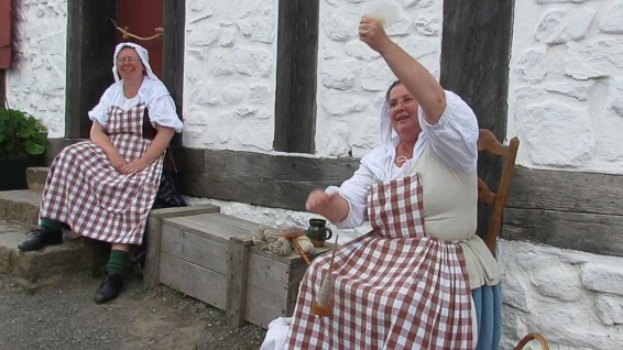 Louisbourg women spinning