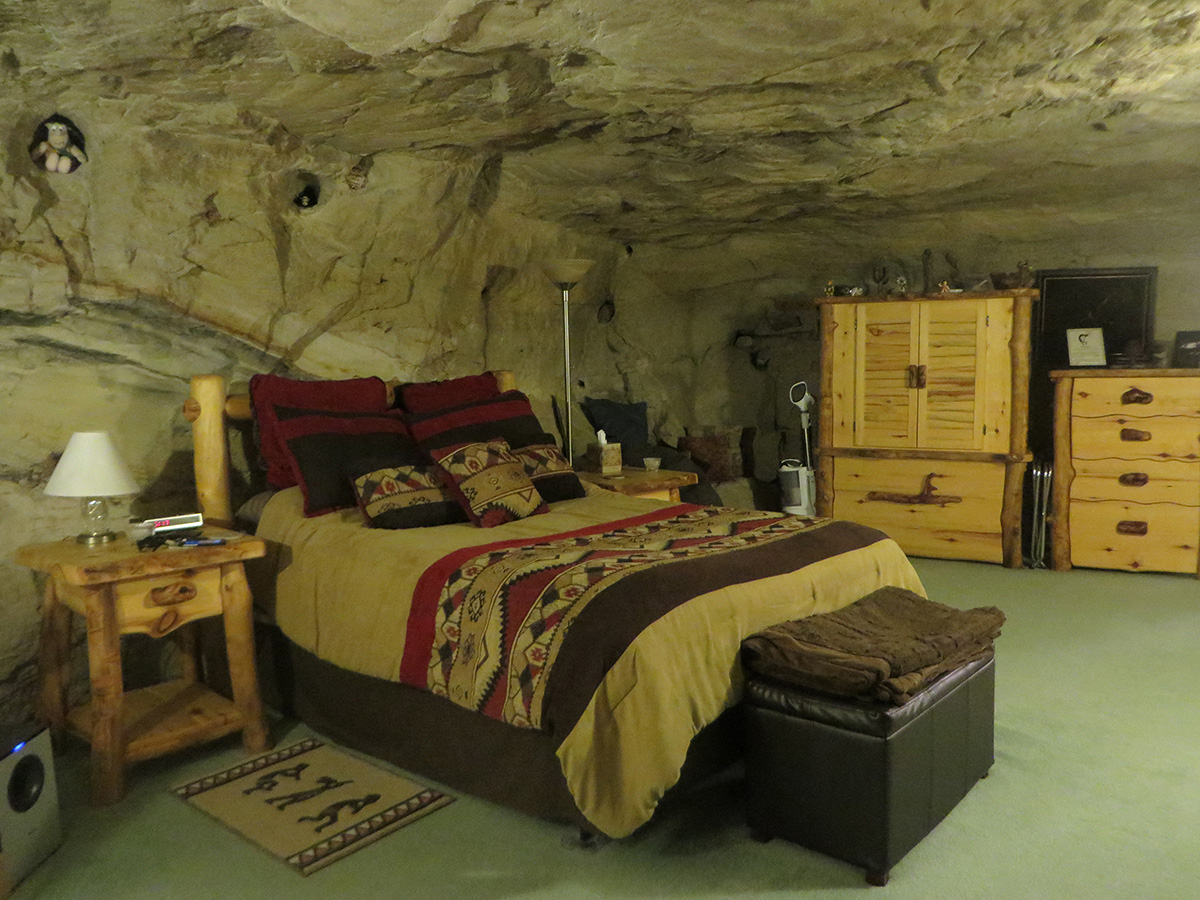 Kokopelli Cave Experience: The Anasazi Never Had It So Good!