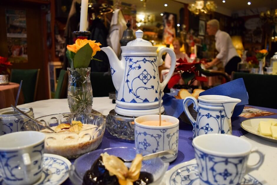 Bergische Kaffeetafel im Nostalgie Caf