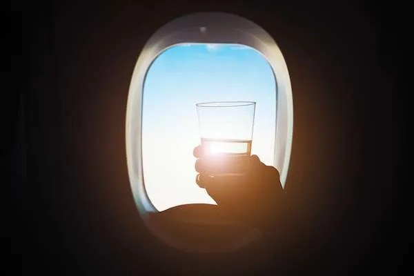 free airline perk for lufthansa is free alcohol