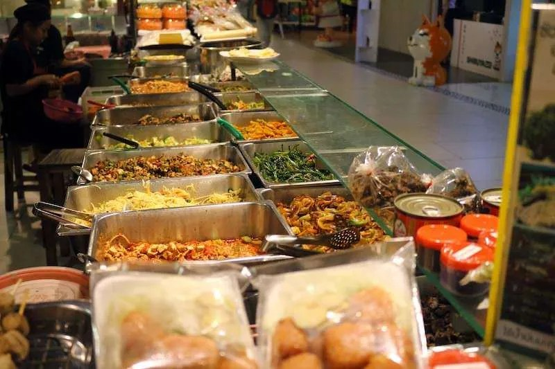 night market food stalls chiang mai