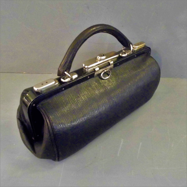 black leather gladstone bag