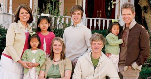 steven-curtis-chapman-family-photo