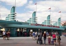 Disney California Adventure Park Entrance