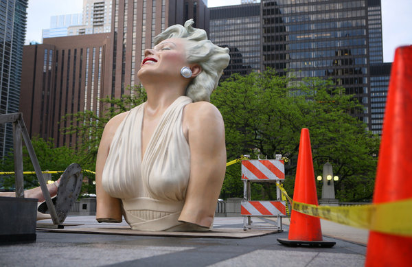 Marilyn Monroe statue moving on again  Chicago Tribune