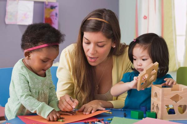 How to find the perfect babysitter for your kids