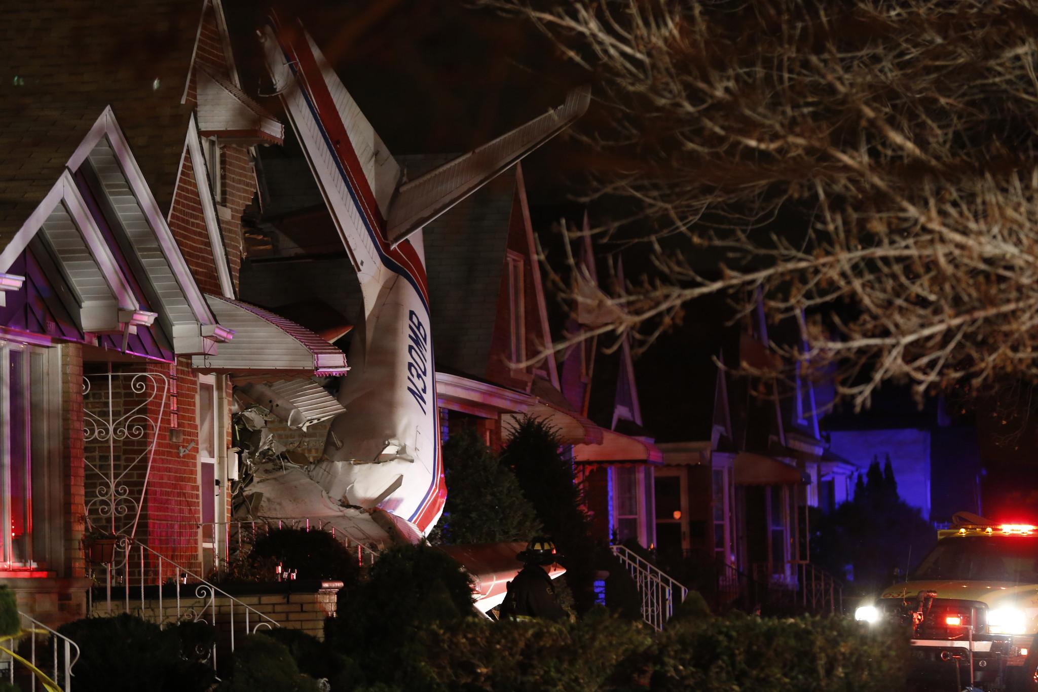 Pilot killed couple unhurt when plane crashes into home near Midway  Chicago Tribune