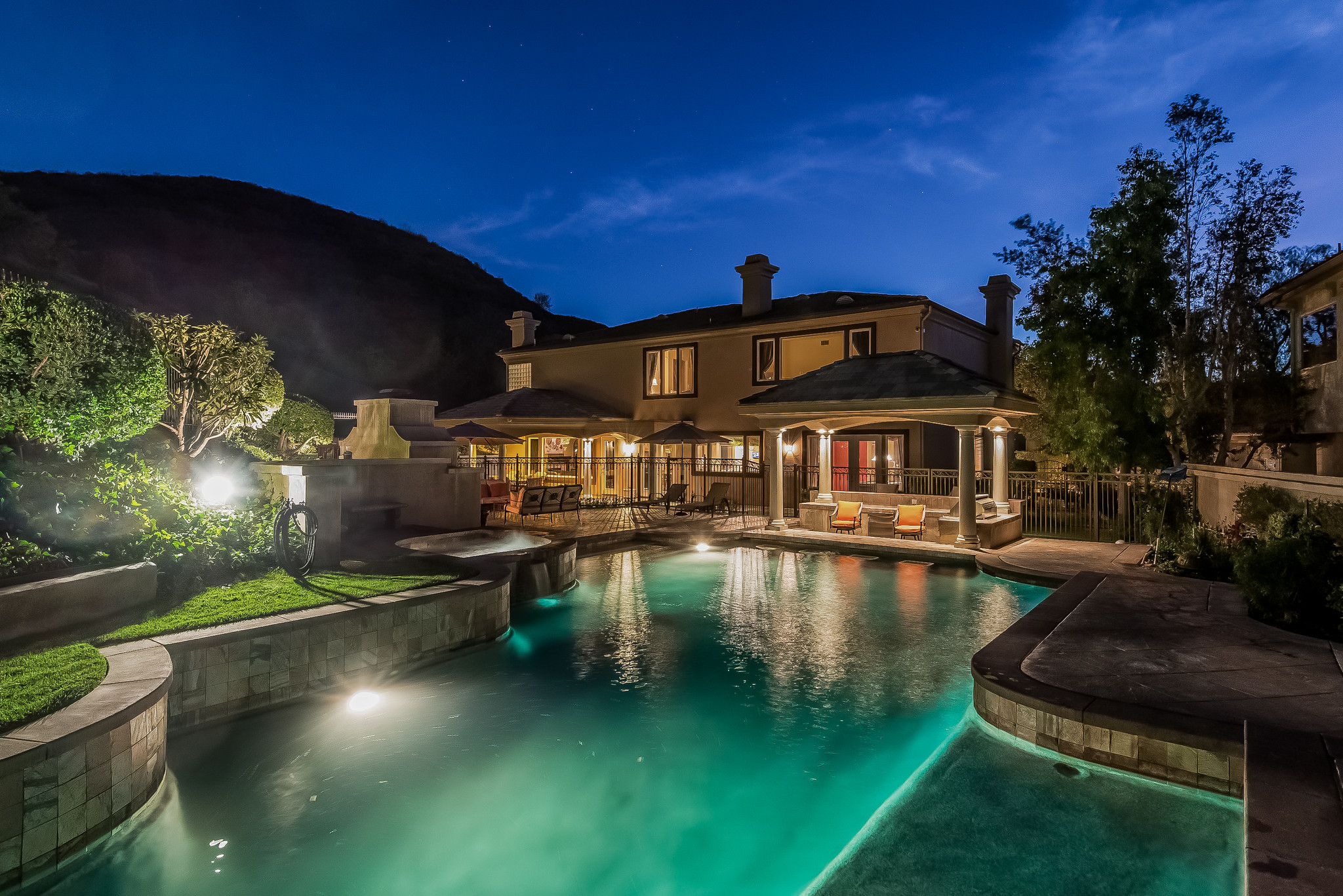 Home of the Day Private estate at The Oaks of Calabasas