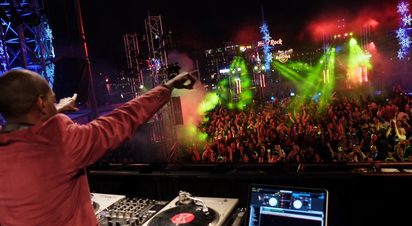 Tickets for Universal CityWalks New Years Eve on sale