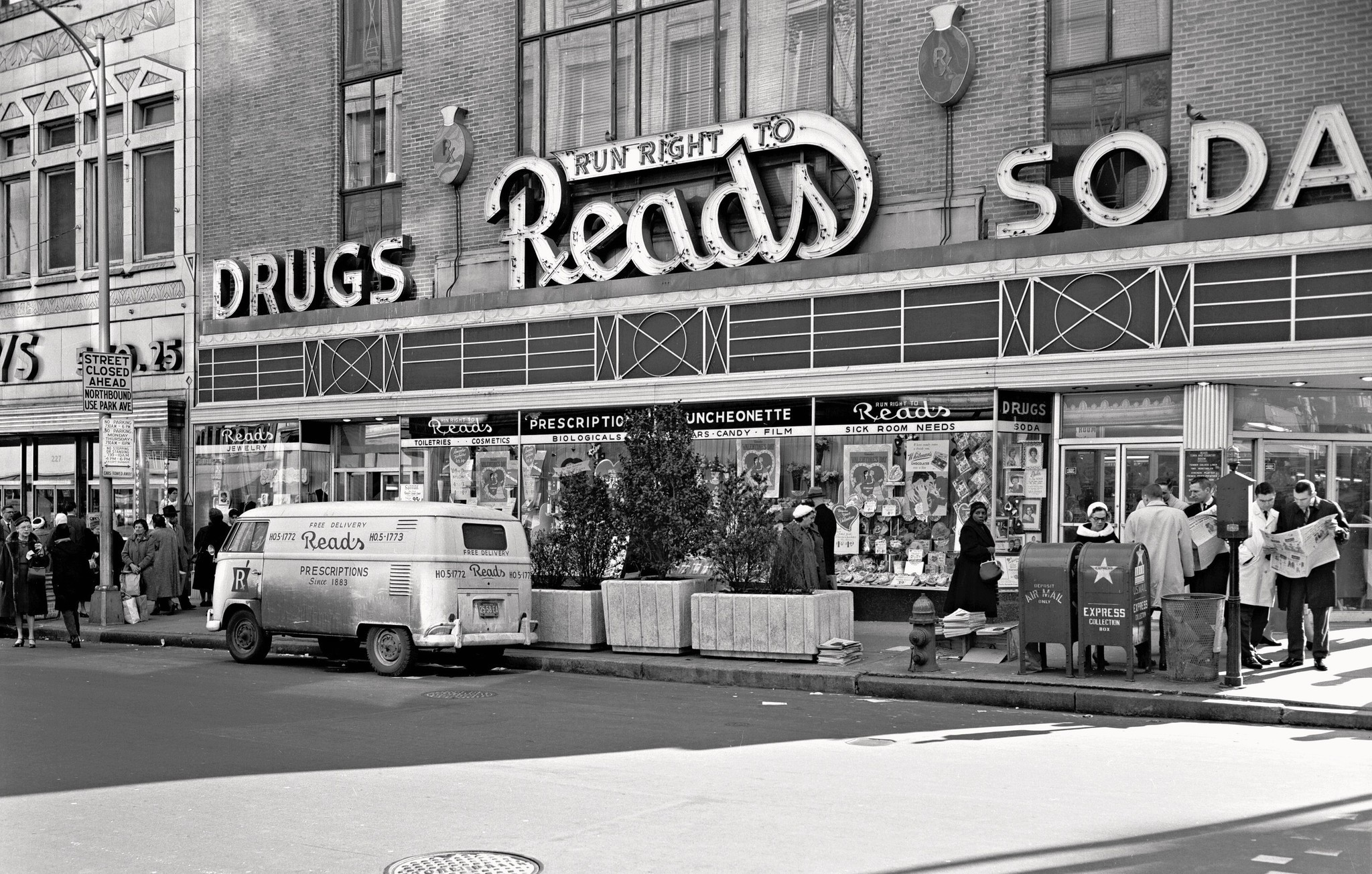Exhibit Shows Baltimore S Shopping Habits Of 1950s And