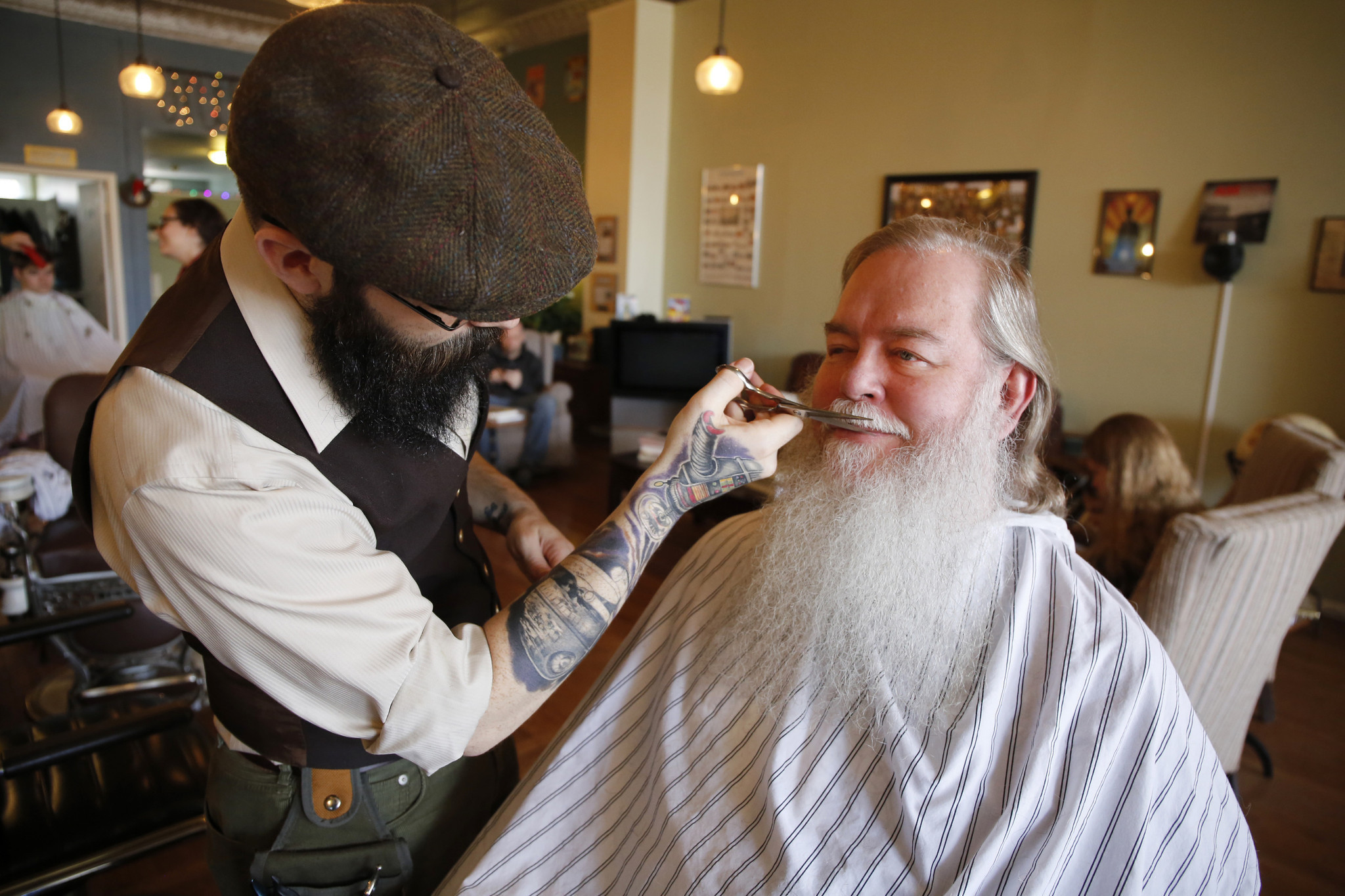 Specialty barbers focus on beards as facial hair grows trendy  Chicago Tribune