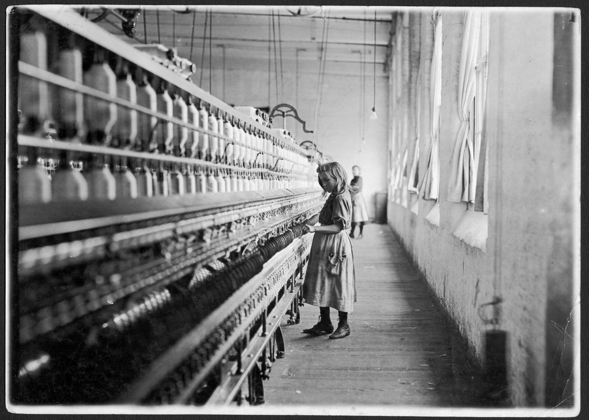 Compelling photographs tell the story of Lewis Wickes Hine
