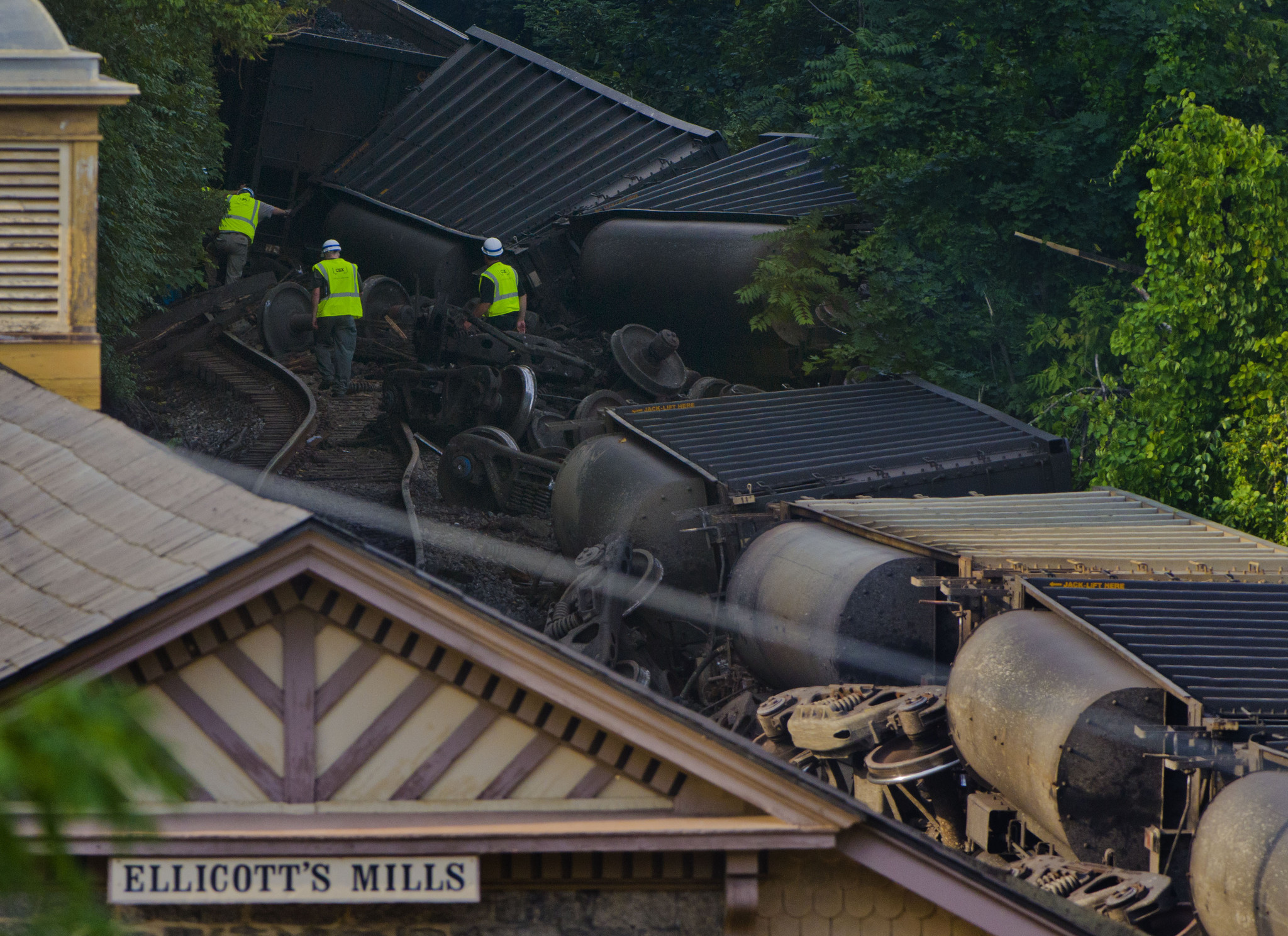 Families of women killed in Ellicott City derailment reach settlement with CSX  Baltimore Sun