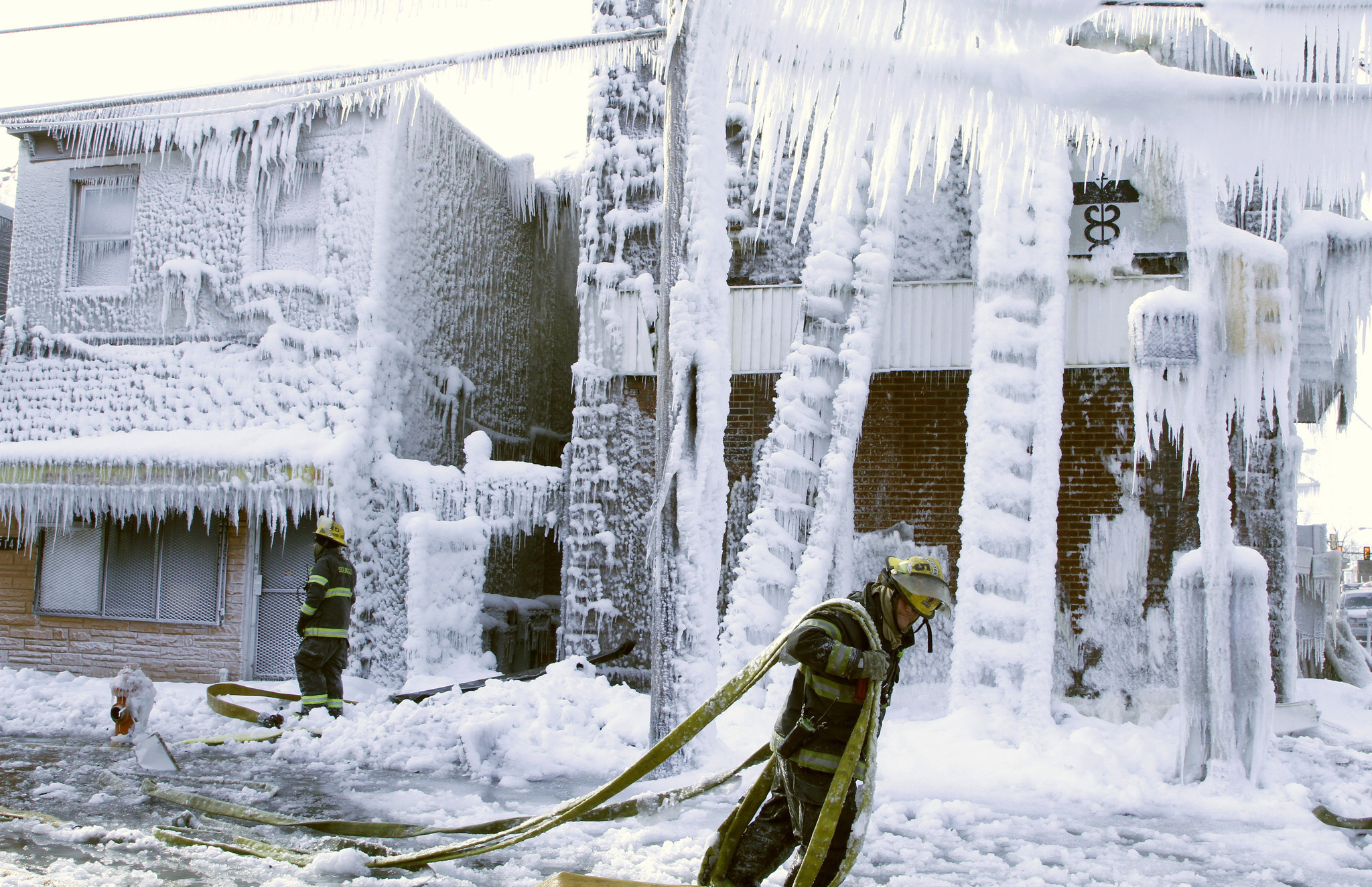 Philadelphia building coated in ice after fire  The Morning Call