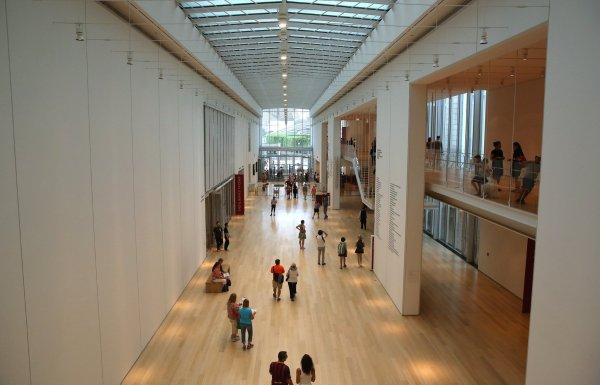 Art Institute Modern Wing Galleries Closing Temporarily - Chicago Tribune