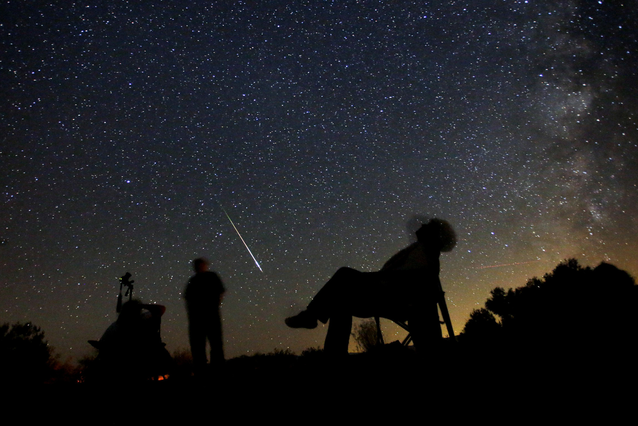 Falling From Stars Wallpaper The Five Best Places To Watch The Perseid Meteor Showers