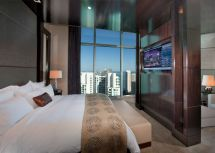 Checking Luxury South Florida' Suites - Sun