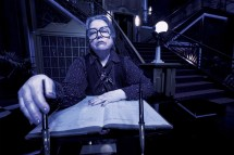 'american Horror Story' Kathy Bates Promises 'hotel