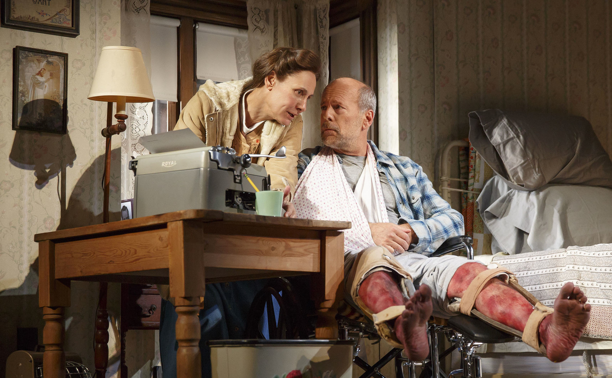 Laurie Metcalf stuck in Misery with Bruce Willis