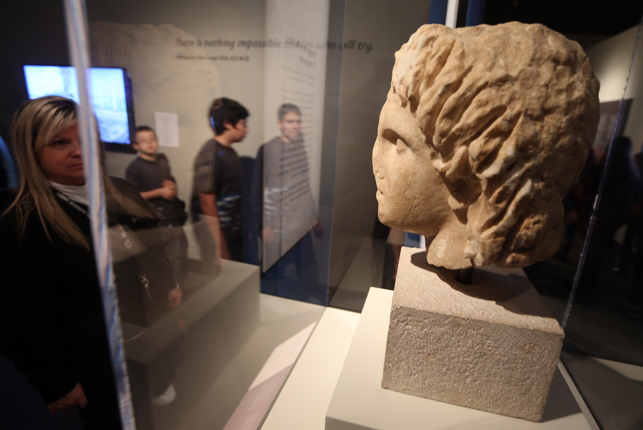 The Greeks at Field Museum 500 artifacts to sum up