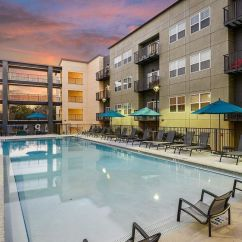 Outdoor Pool Lounge Chairs Hickory Chair Furniture Beds Florida Student Residence Halls Make 'most Luxurious' List - Orlando Sentinel