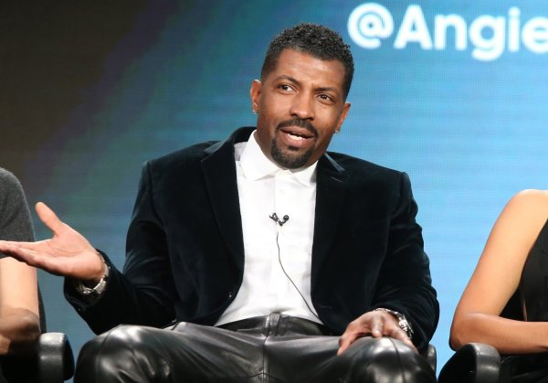 South Side Comedian Deon Cole ' Golf Balls Thrown - Orlando Sentinel