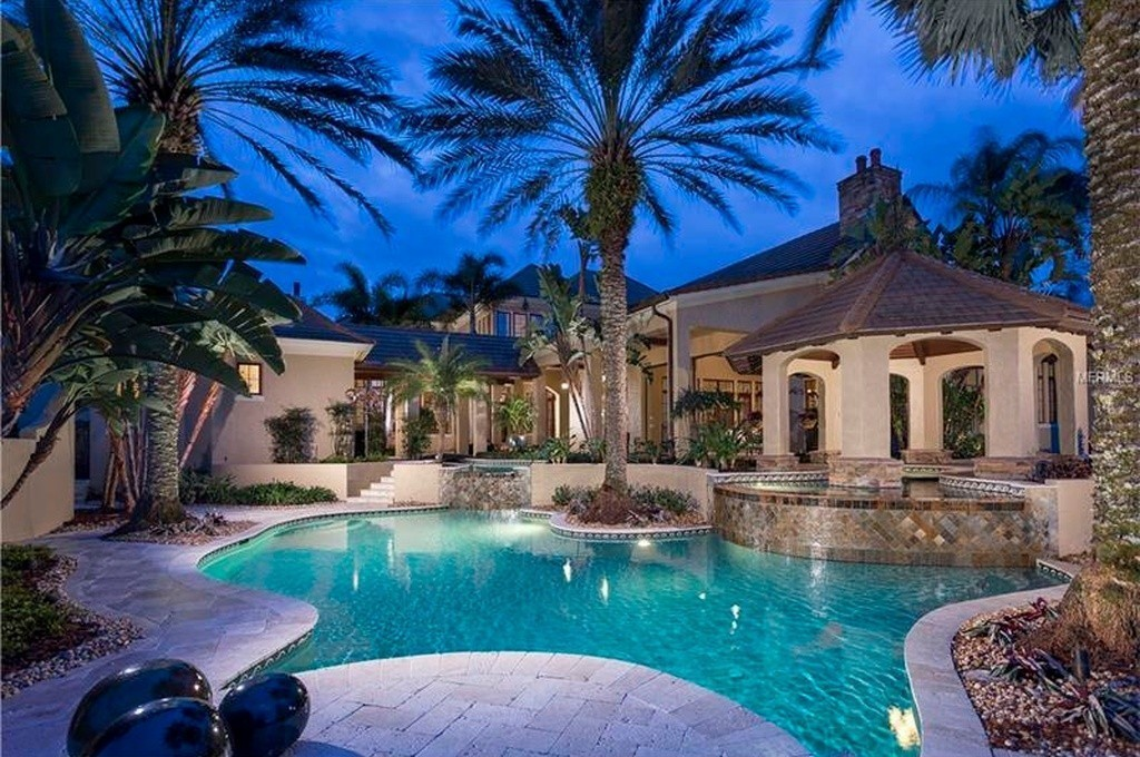 Aerosmiths Steven Tyler rented Windermere mansion Report