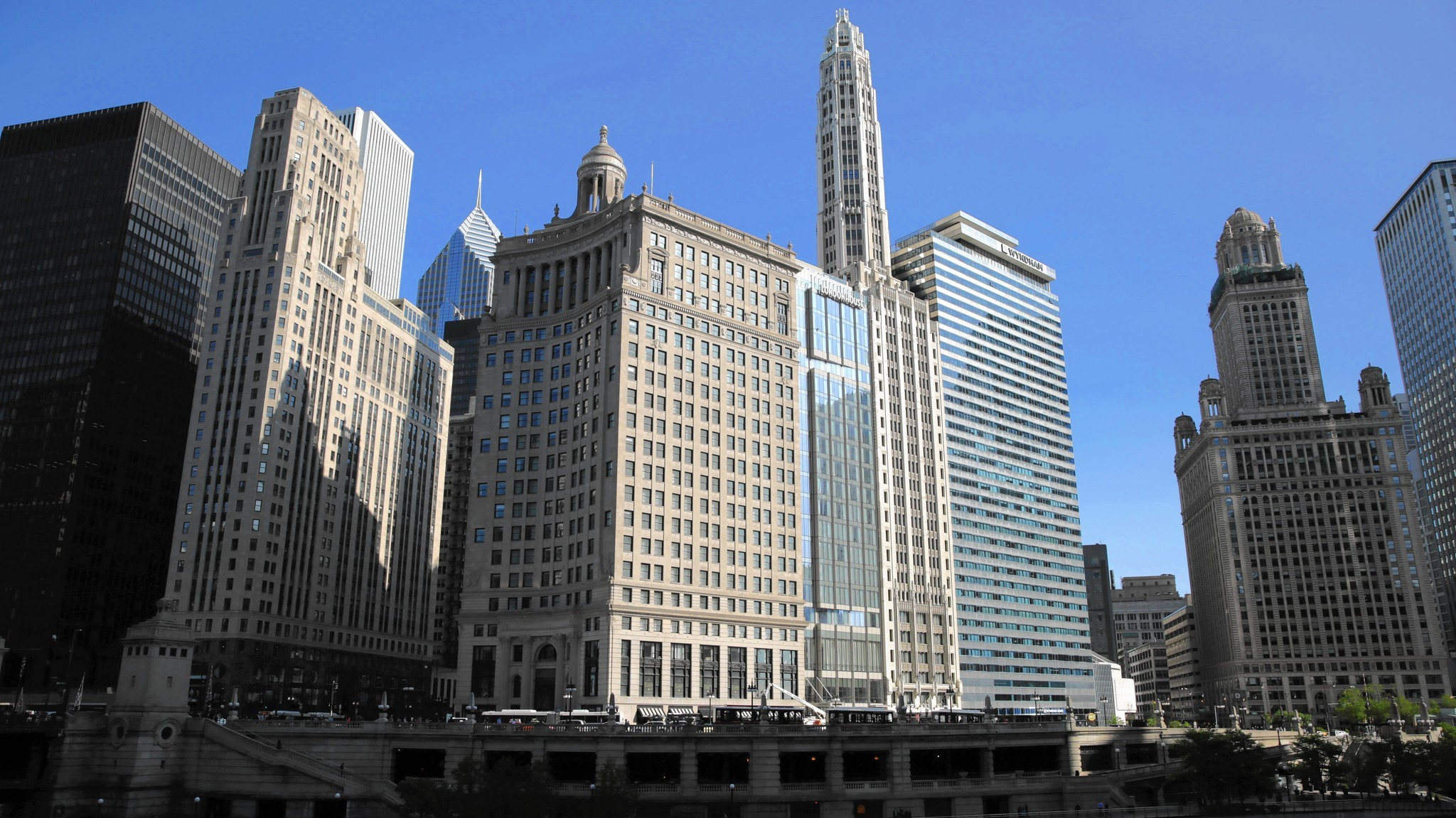 Michigan Avenue classic comes back to life with a 21st
