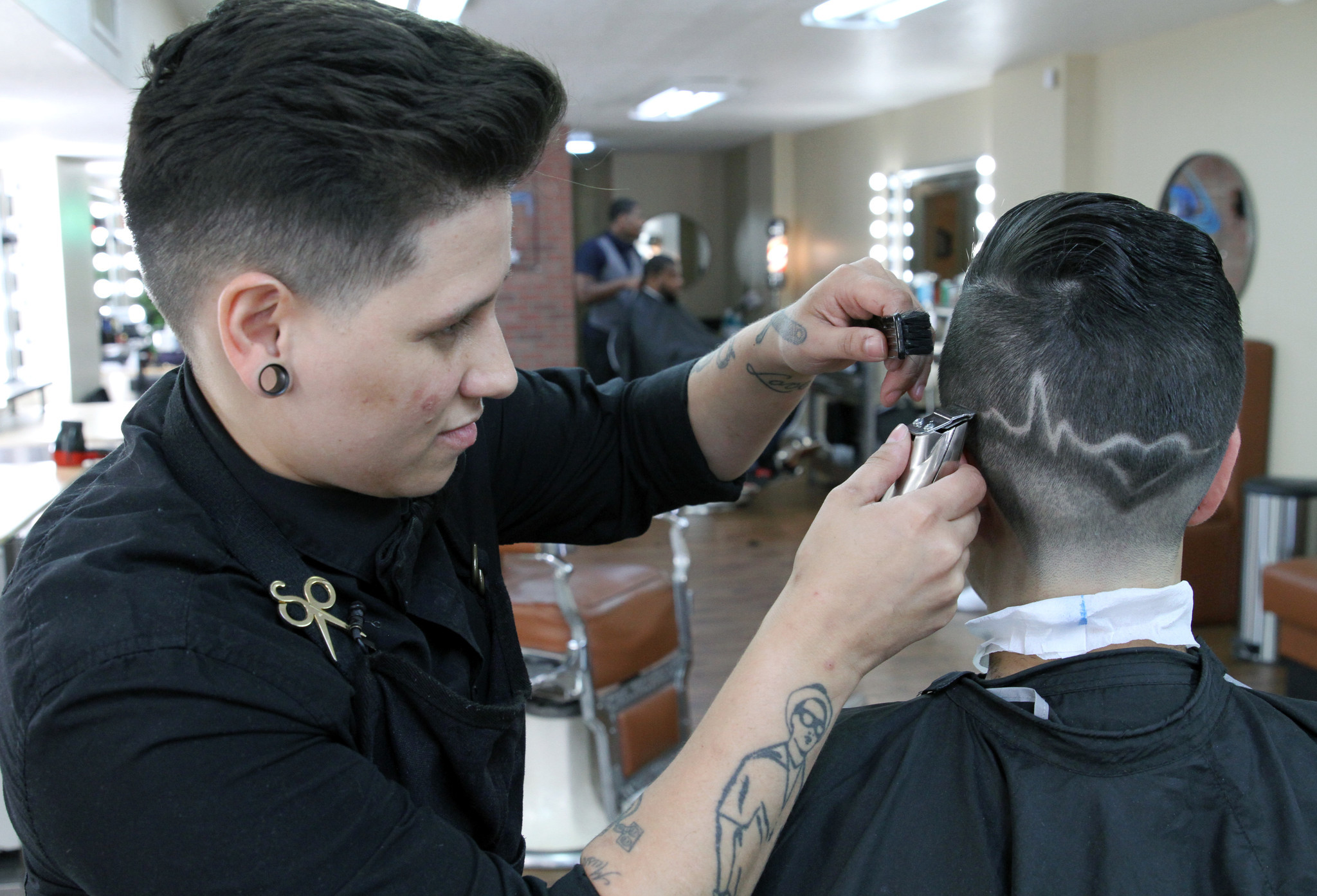 Barbershop honors victims of Pulse tragedy with special