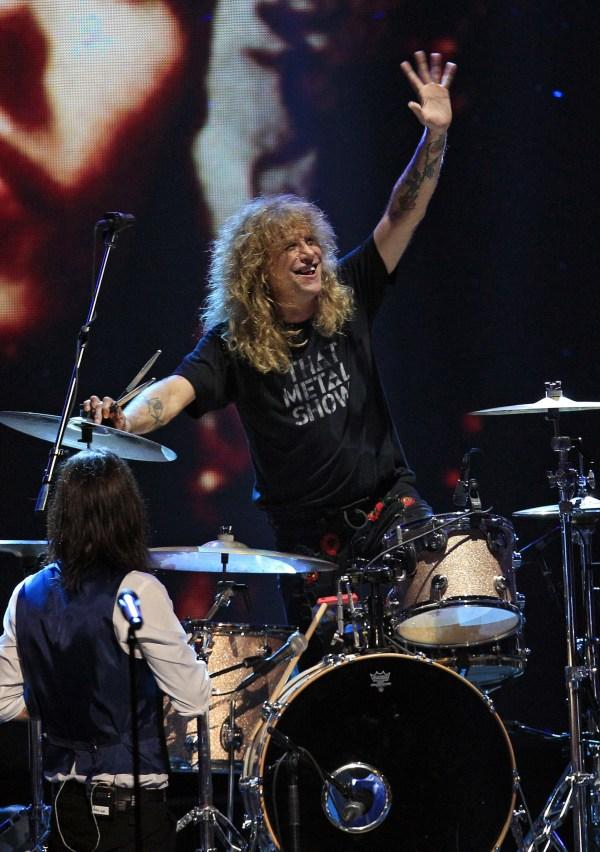 Drummer Steven Adler Rejoins Guns ' Roses In Cincinnati