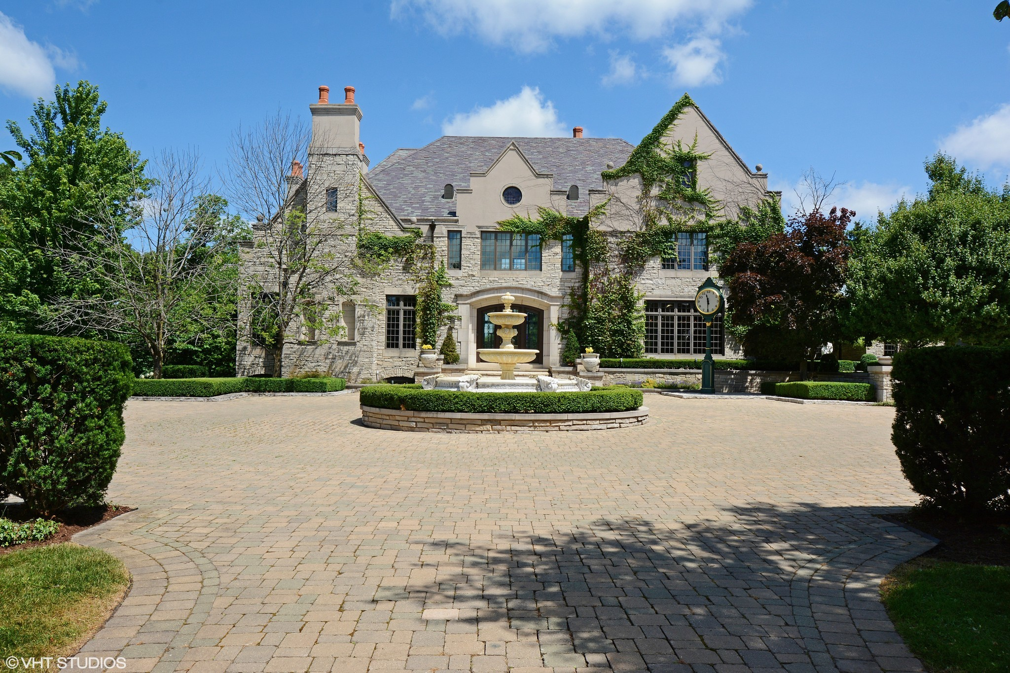 Englishstyle mansion in Barrington Hills 3395M