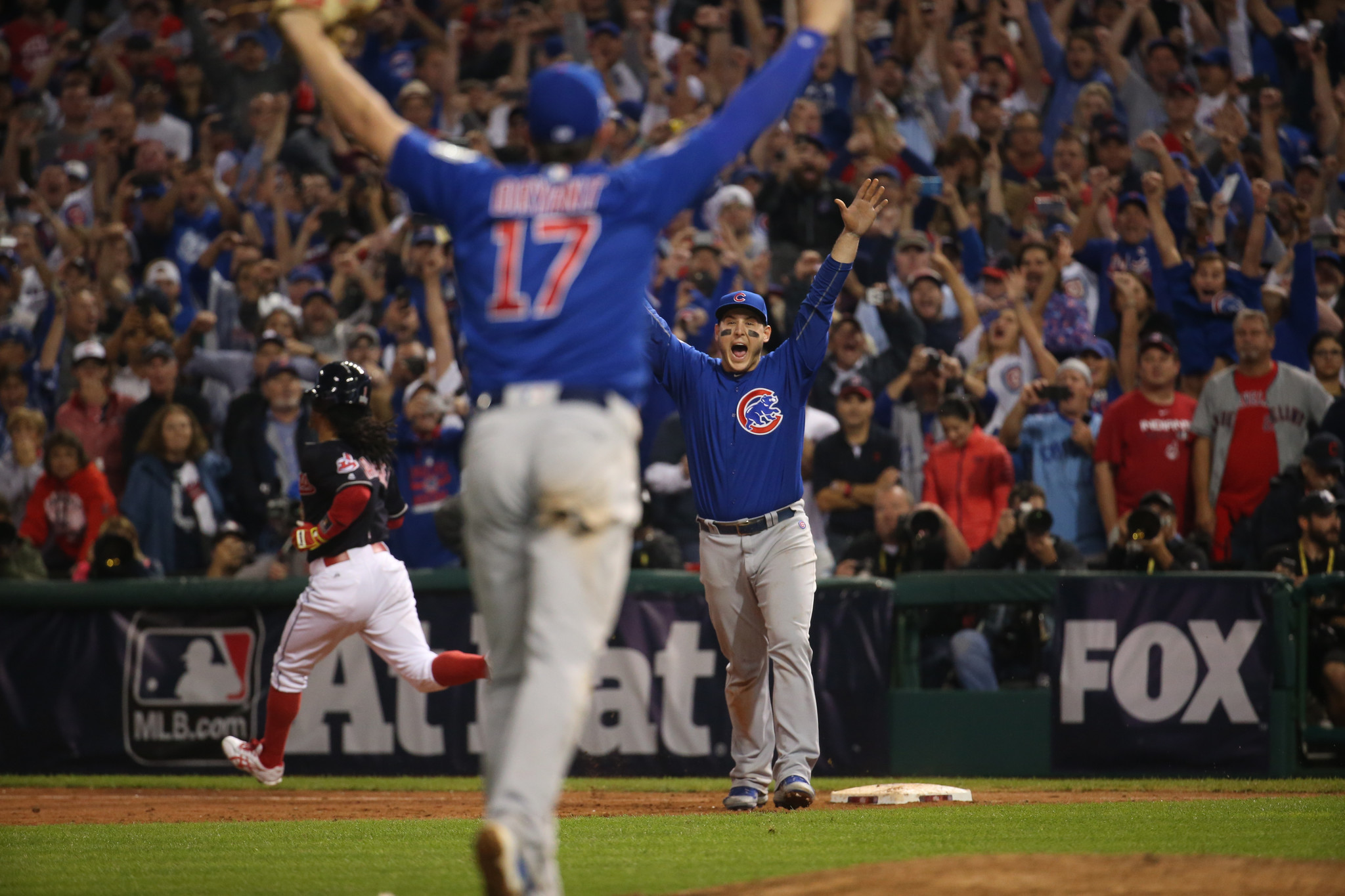 Chicago Cubs win World Series championship with 87