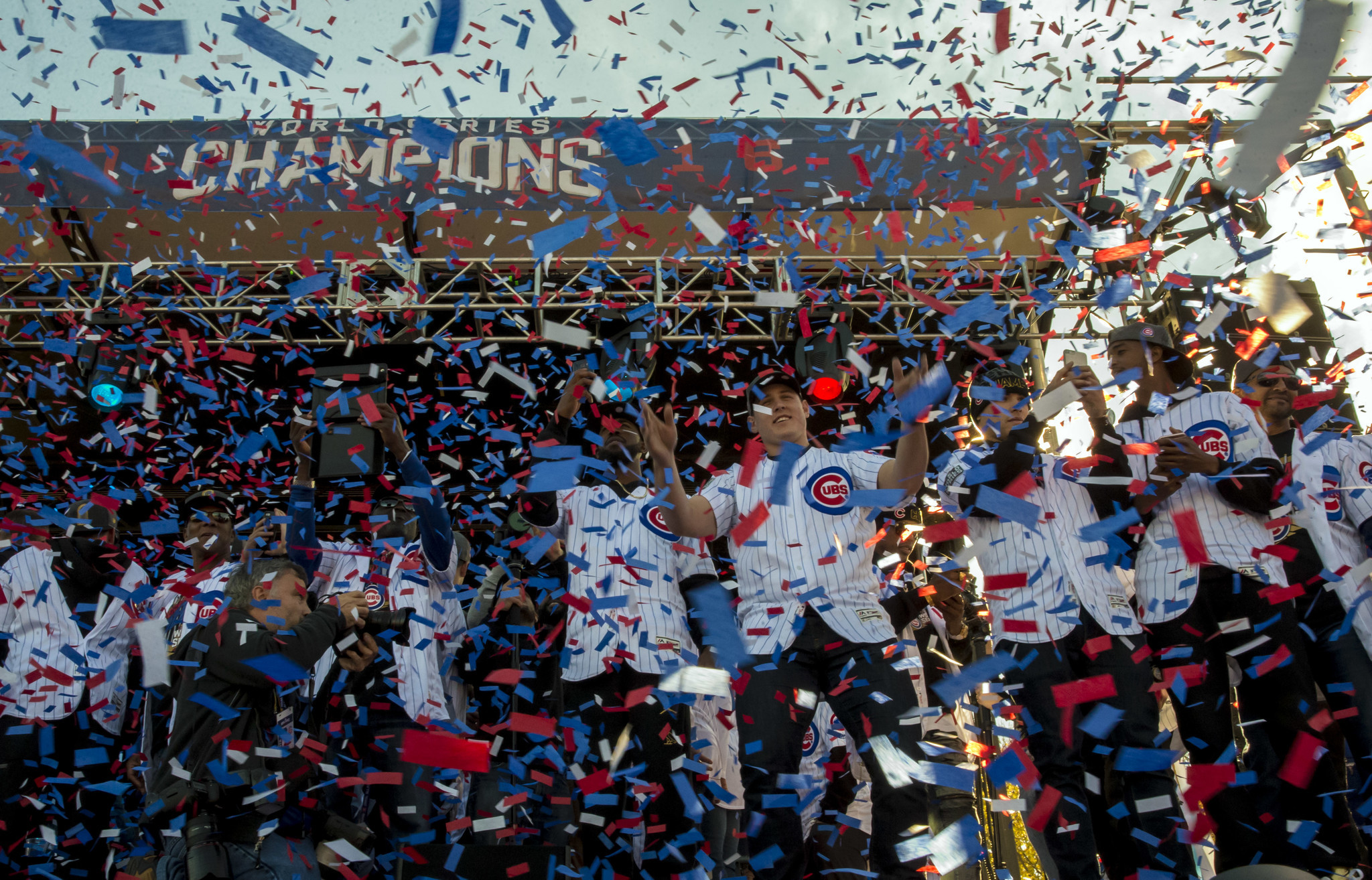 Relive The Cubs Parade And Rally From Bridge Jumpers To