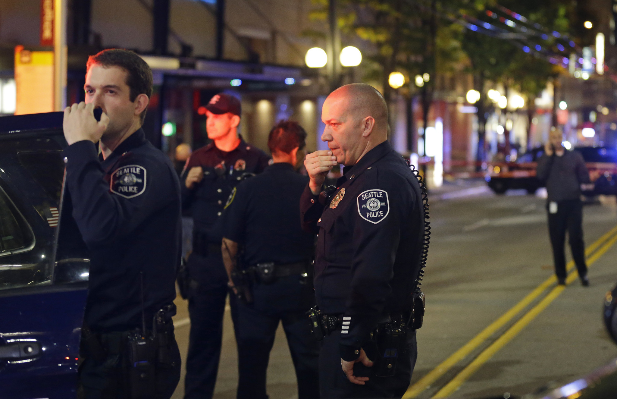 Police searching for gunman in Seattle shooting that
