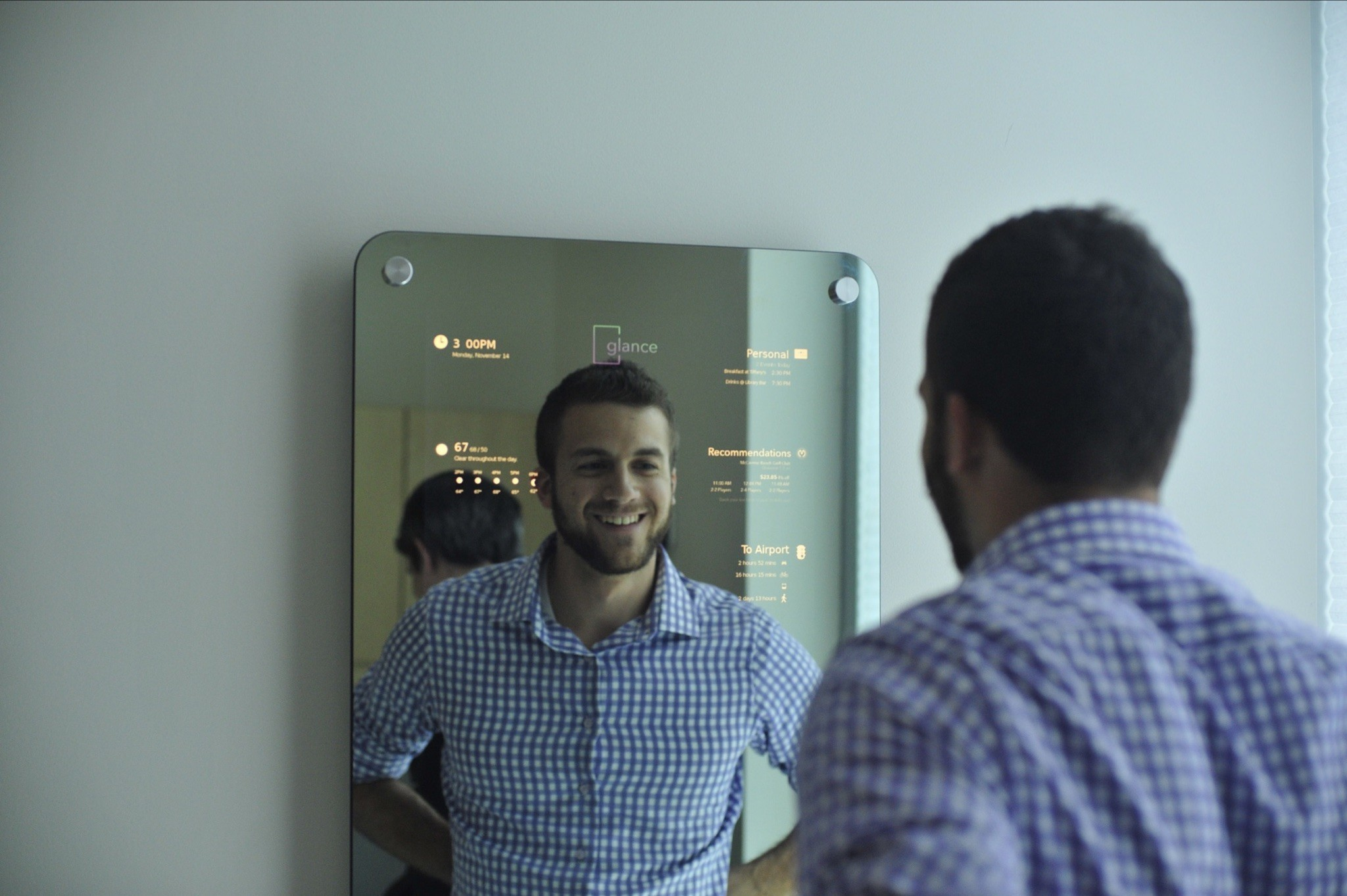 Glance wants to put a smart mirror in your house your gym your hotel  Chicago Tribune