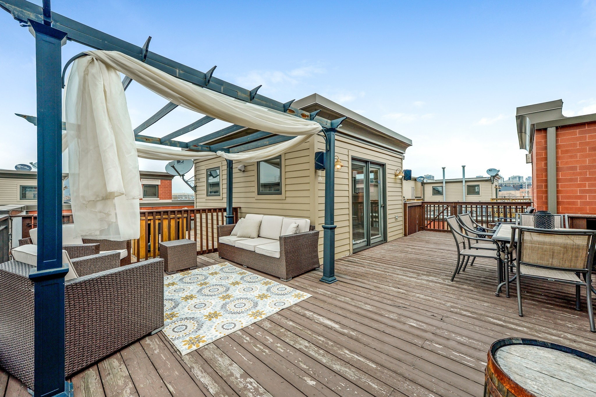 River North townhouse with roof deck 849000  Chicago