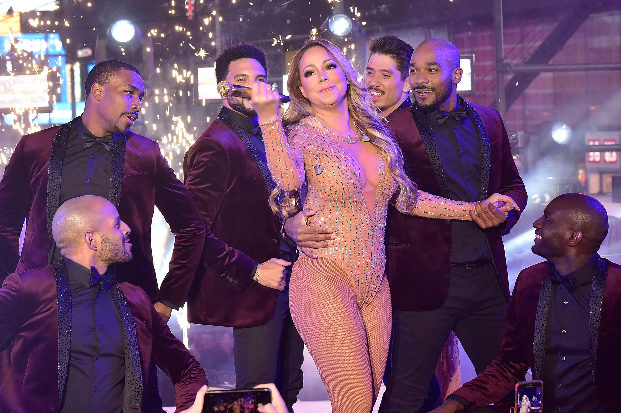 Mariah Carey bungles New Years Eve show stops singing on live TV  Chicago Tribune