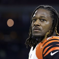 Office Chair Video Game Ikea Dining Bengals' Adam 'pacman' Jones Accused Of Head-butting Cops, Spitting At Nurse - Chicago Tribune
