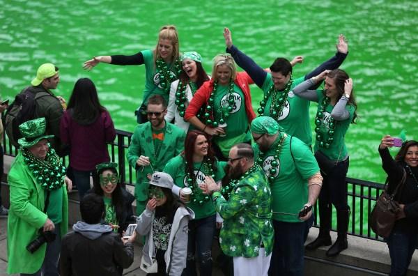 Drink Walk 17 Bars St. Patrick' Day River Dyeing Ceremony - Redeye Chicago