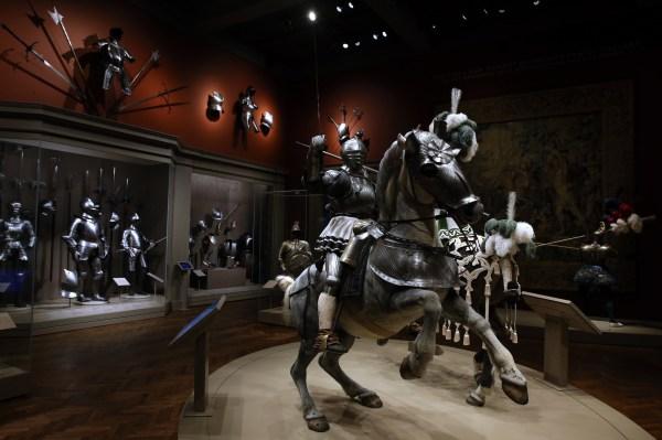 Chicago Art Institute of Medieval Armor