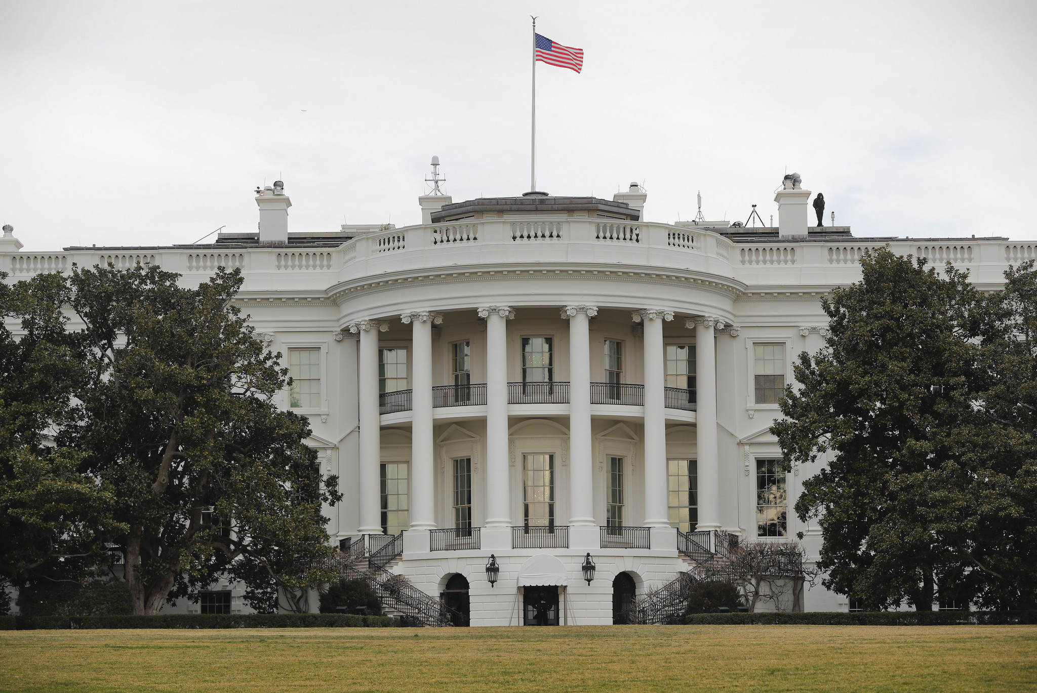 Trump to discontinue Obama policy of voluntarily releasing White House visitor logs  Chicago