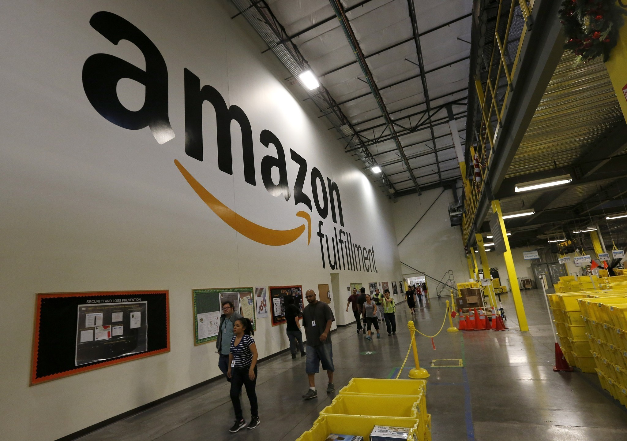 Amazon could reel in big tax breaks for new warehouse