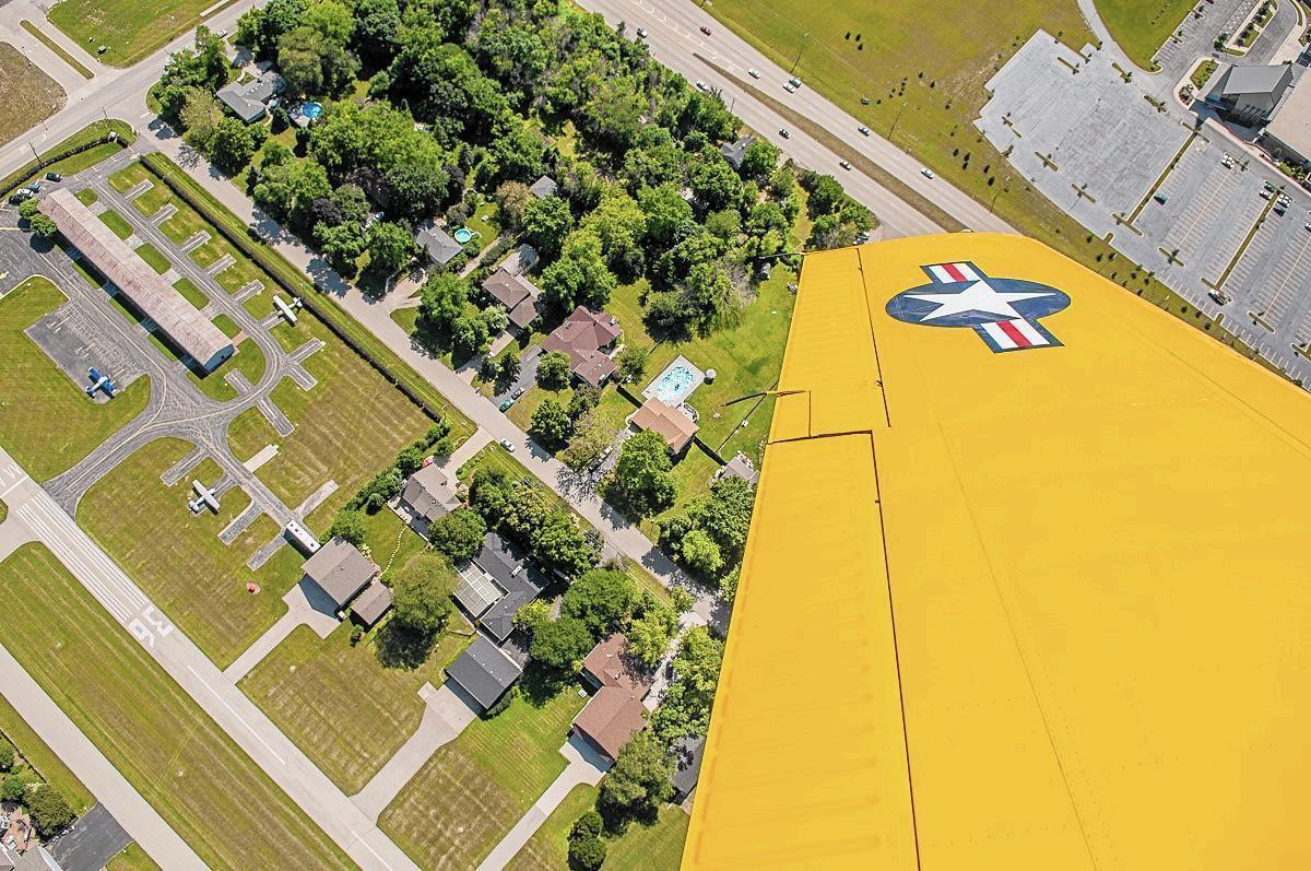 At 60 Napervilles airpark subdivision still flying  Naperville Sun