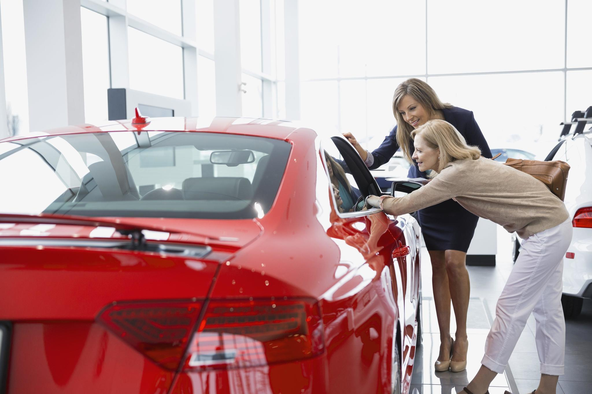 Maledominated car dealerships struggle to attract women workers  Carroll County Times