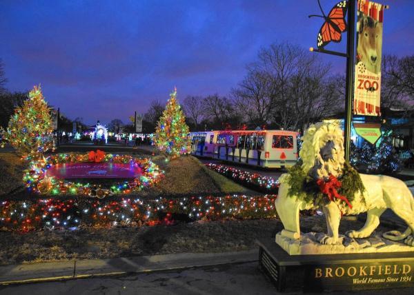 Sing Animals Brookfield Zoo' Holiday Magic