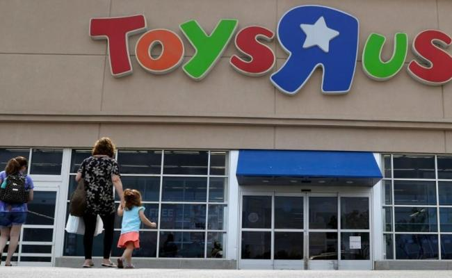 Toys R Us Starting Liquidation Sales At 144 Stores